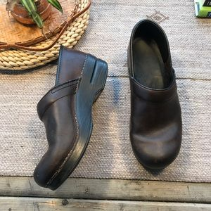 Dansko brown leather professional clogs size 39